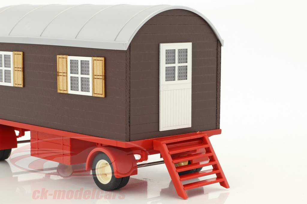 Hanomag Robust 900 tractor with trailer green / beige / brown 1:32 Schuco