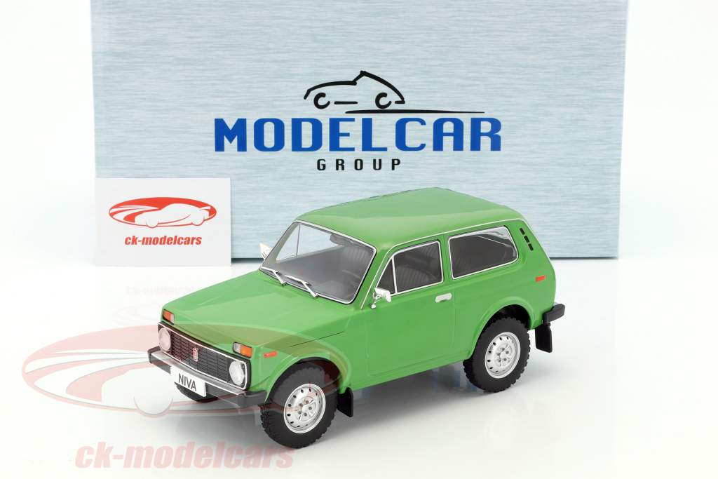 Lada Niva Baujahr 1976 grün 1:18 Model Car Group