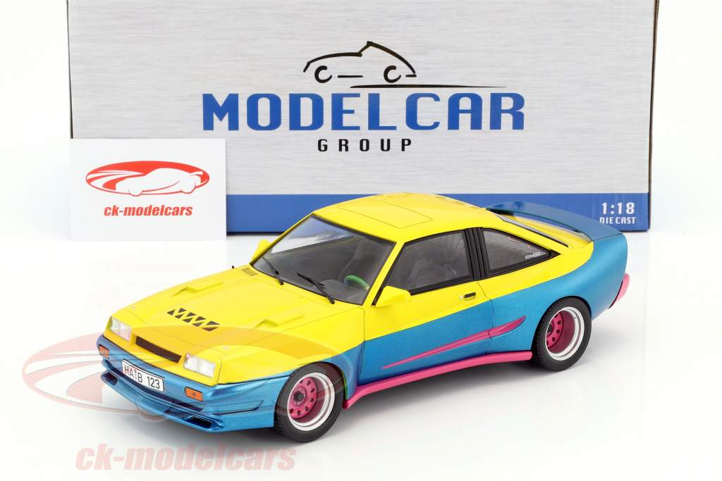 Opel Manta B Mattig film Manta Manta (1991) giallo / blu metallico / rosa 1:18 Model Car Group