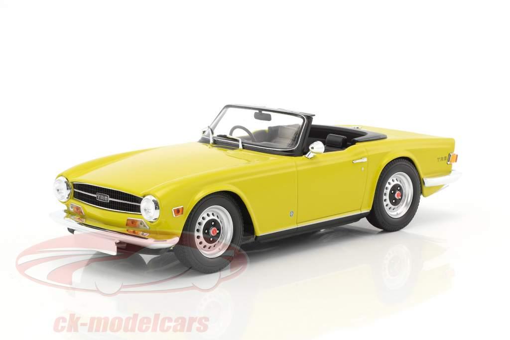 Triumph TR6 Baujahr 1973 gelb 1:18 Minichamps