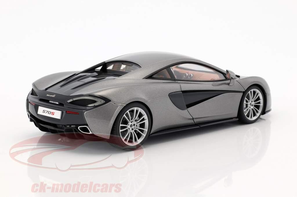 McLaren 570S año de construcción 2016 plata 1:18 AUTOart