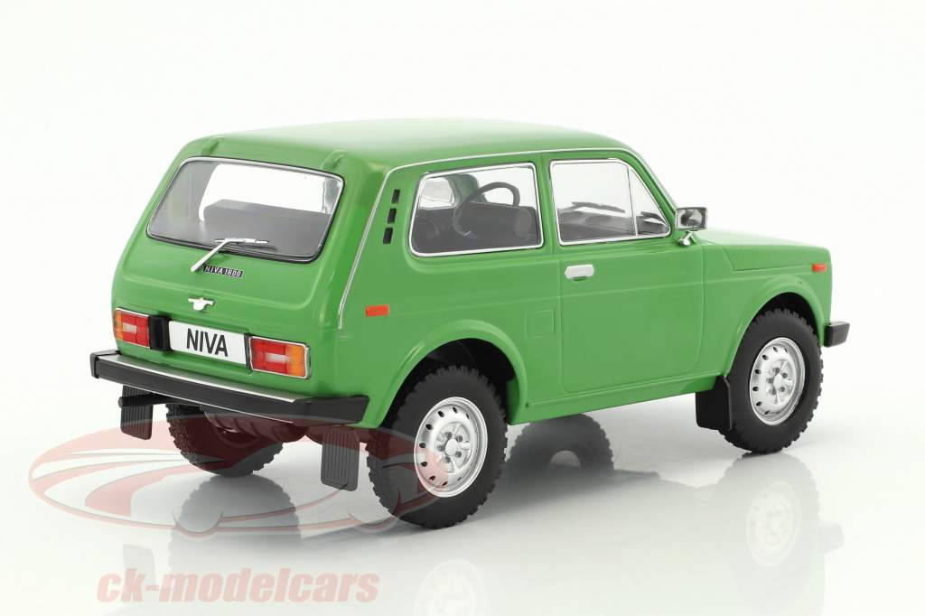 Lada Niva year 1976 green 1:18 Model Car Group