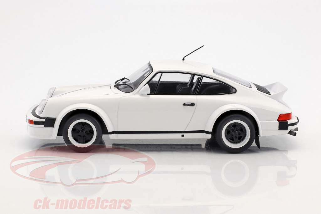 Porsche 911 Race Version year 1982 white 1:18 Ixo