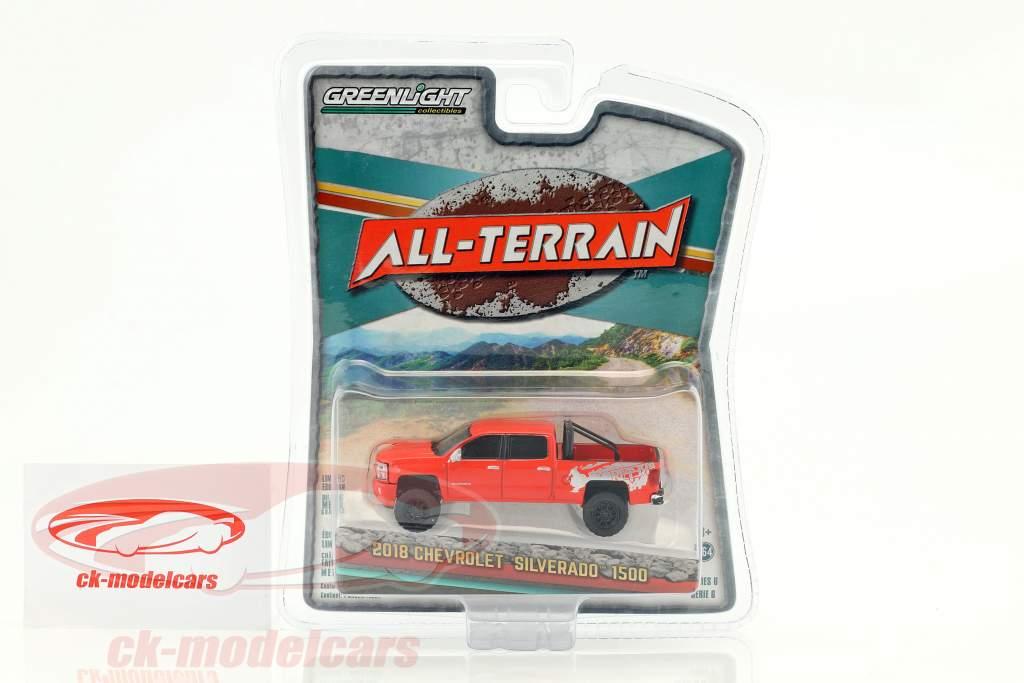 Chevrolet Silverado 1500 All-Terrain anno di costruzione 2018 rosso 1:64 Greenlight