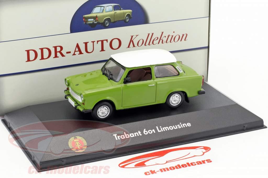 Trabant 601 sedan groen / wit 1:43 Atlas