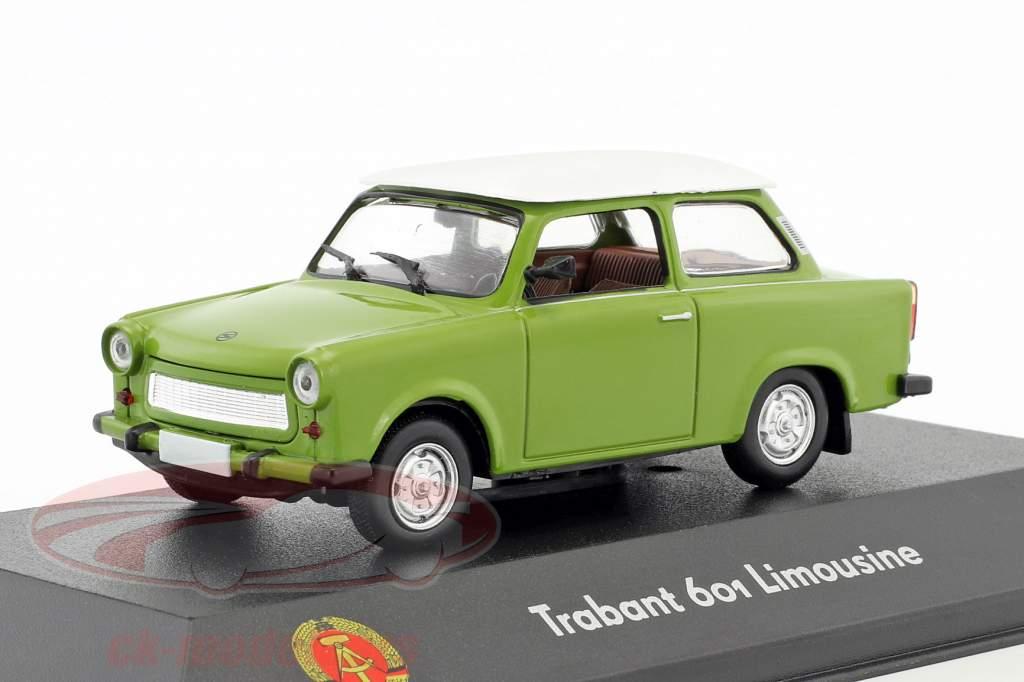 Trabant 601 sedan verde / branco 1:43 Atlas