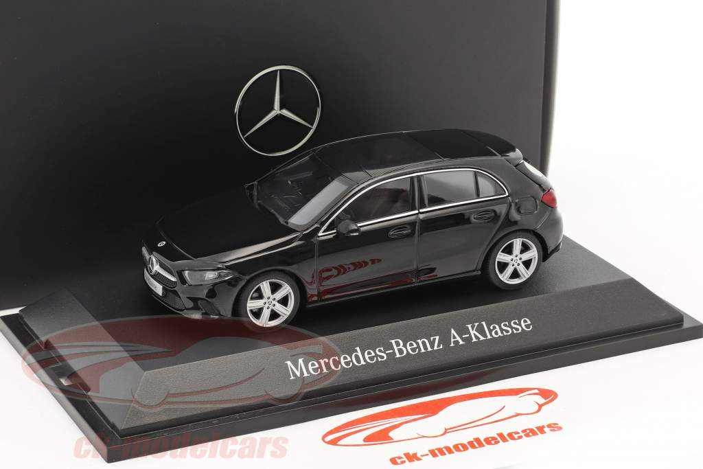 Mercedes-Benz A-Classe cosmos preto metálico 1:43 Herpa