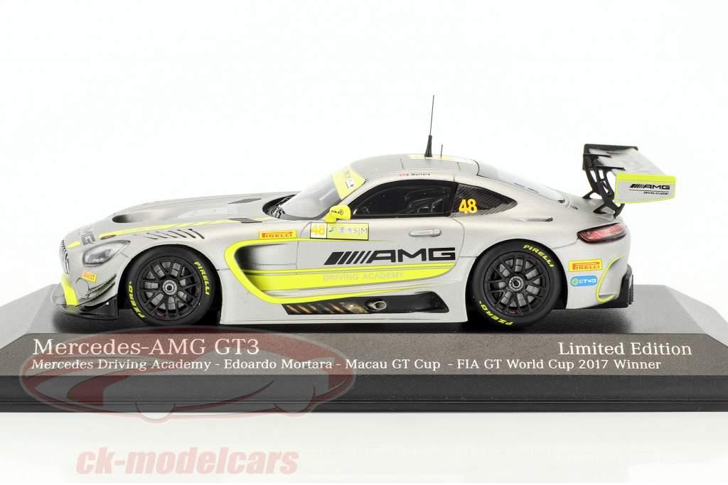 Mercedes-Benz AMG GT3 #48 gagnant FIA GT World Cup Macau 2017 Edoardo Mortara 1:43 Minichamps