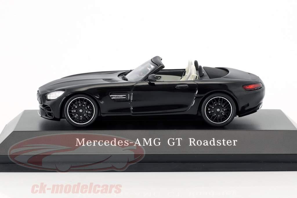 Mercedes-Benz AMG GT Roadster anno di costruzione 2017 magnetite nero metallico 1:43 Spark