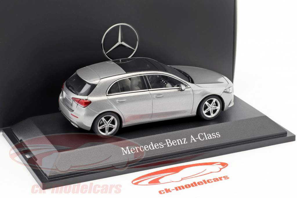 Mercedes-Benz A-Klasse (W177) mojave zilver metalen 1:43 Herpa