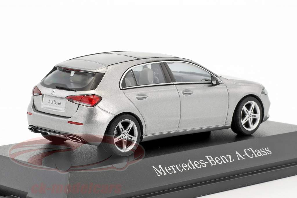 Mercedes-Benz A-Classe (W177) mojave prata metálico 1:43 Herpa