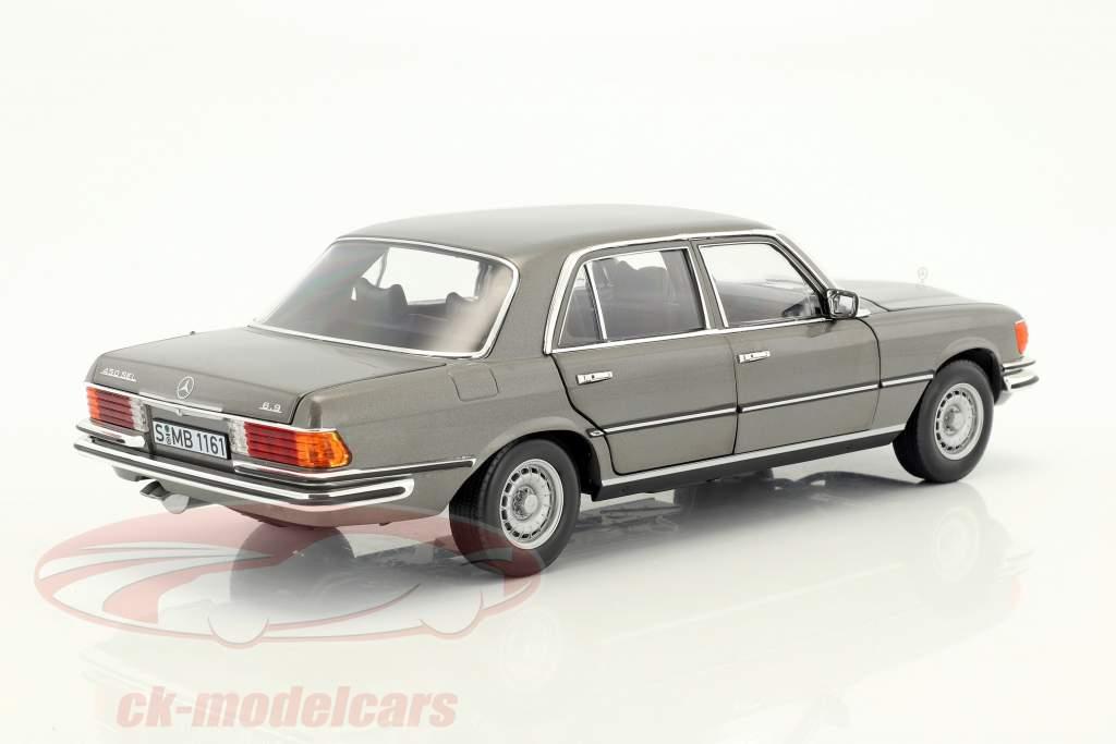 Mercedes-Benz 450 SEL 6.9 (W116) anno di costruzione 1976-1980 antracite grigio metallico 1:18 Norev