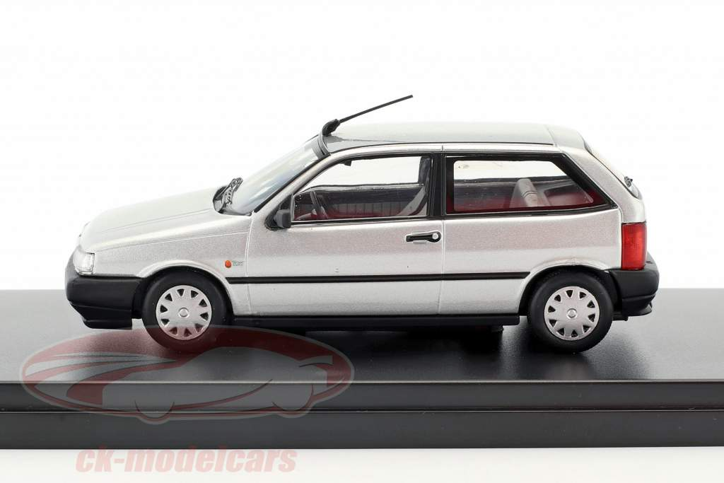 Fiat Tipo 3 porte anno 1995 argento 1:43 Premium X