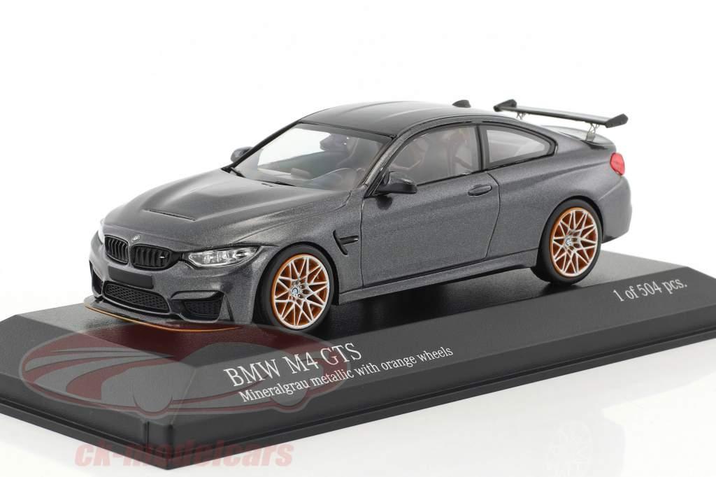 BMW M4 GTS Baujahr 2016 grau metallic mit orangefarbenen Rädern 1:43 Minichamps