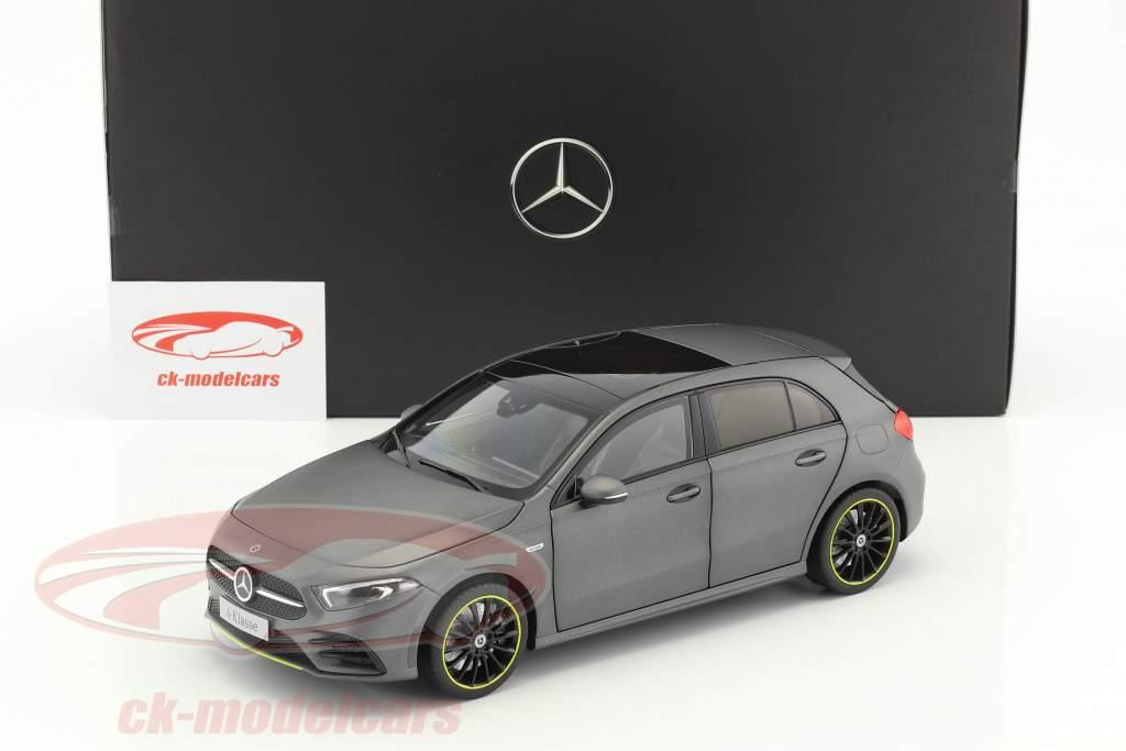 Mercedes-Benz A-Klasse (W177) anno di costruzione 2018 designo mountain grigio magno 1:18 Norev