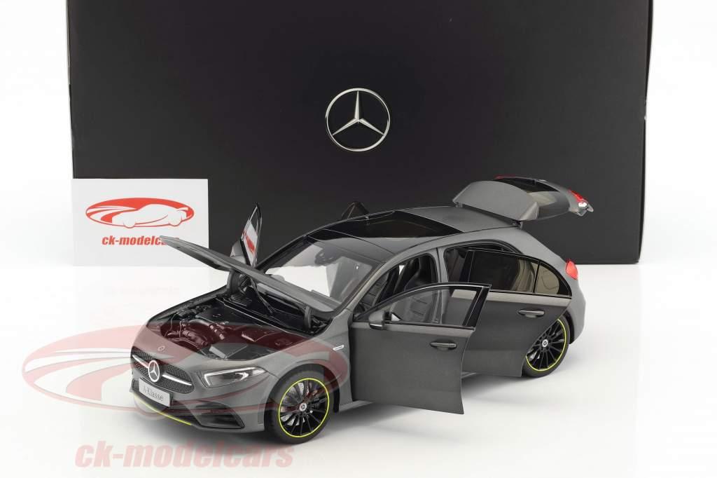 Mercedes-Benz A-Klasse (W177) Baujahr 2018 designo mountaingrau magno 1:18 Norev
