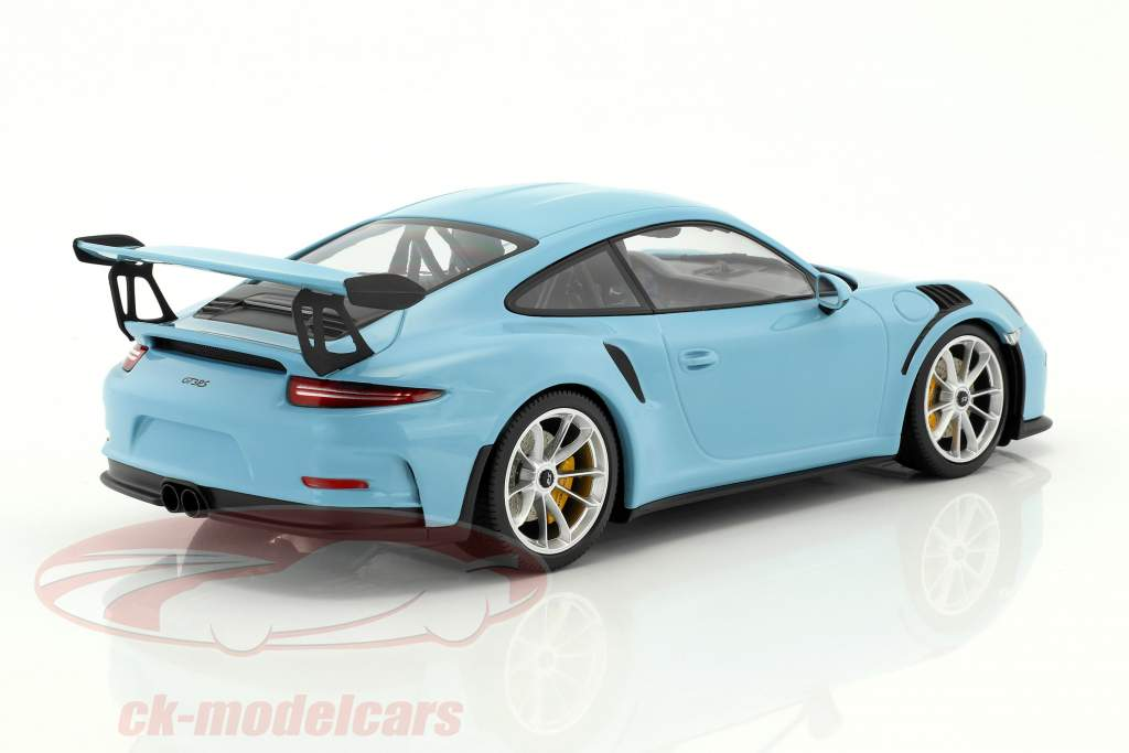 Porsche 911 (991) GT3 RS Baujahr 2015 gulf blau mit matt silbernen Felgen 1:18 Minichamps