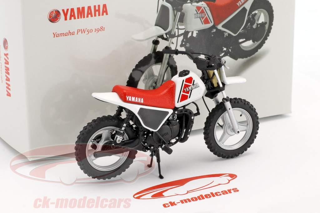 Yamaha PW 50 anno di costruzione 1981 bianco / rosso / nero 1:12 Spark