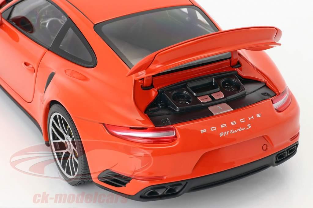 Porsche 911 (991 II) Turbo S Baujahr 2016 orange 1:18 Minichamps