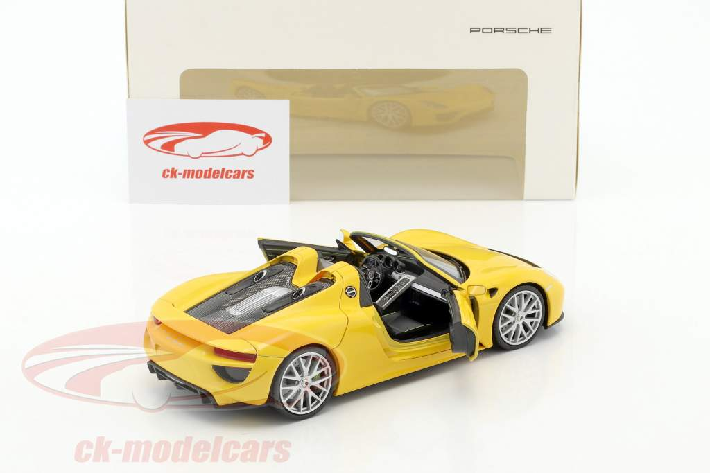 Porsche 918 Spyder courses jaune 1:24 Welly