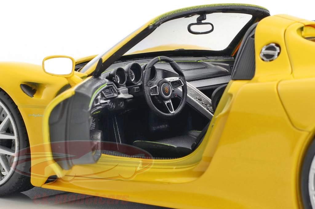 Porsche 918 Spyder corsa giallo 1:24 Welly