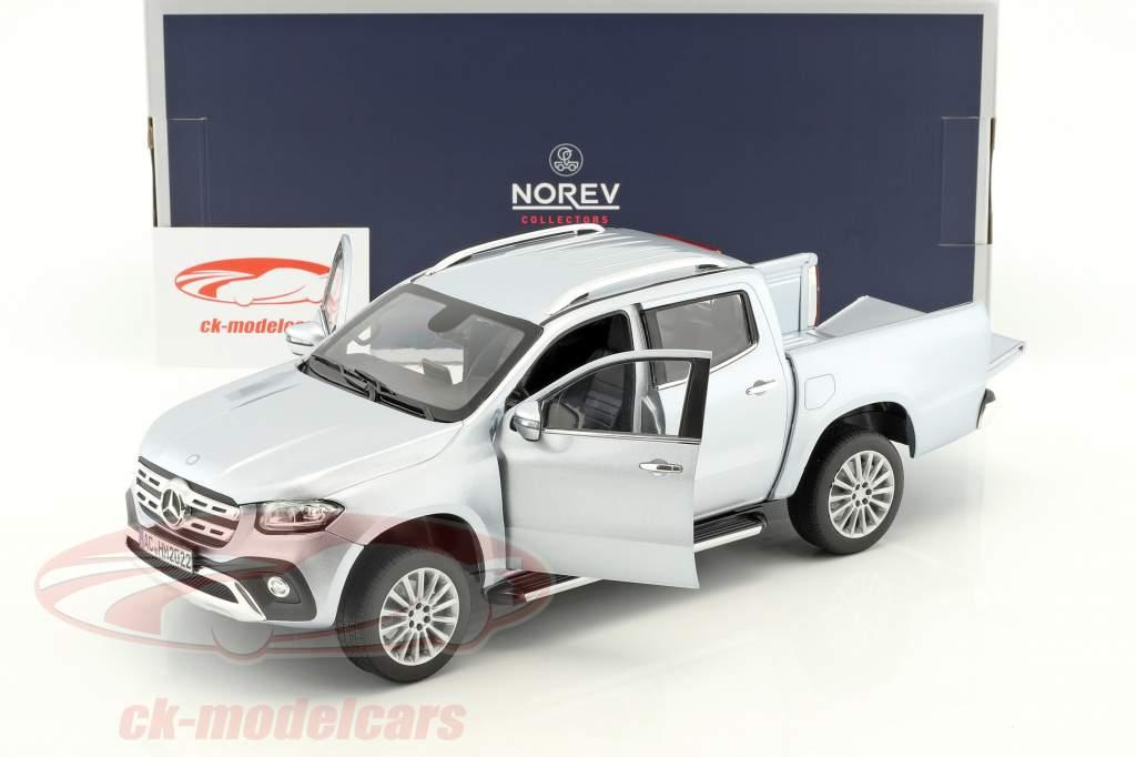 Mercedes-Benz Classe X année de construction 2017 argent 1:18 Norev