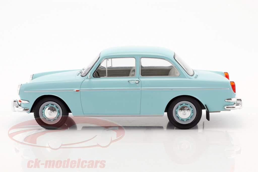 Volkswagen VW 1500 S (Typ 3) Baujahr 1963 hellblau 1:18 Model Car Group