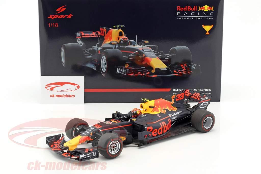 Max Verstappen Red Bull RB13 #33 gagnant Malaisie GP formule 1 2017 1:18 Spark