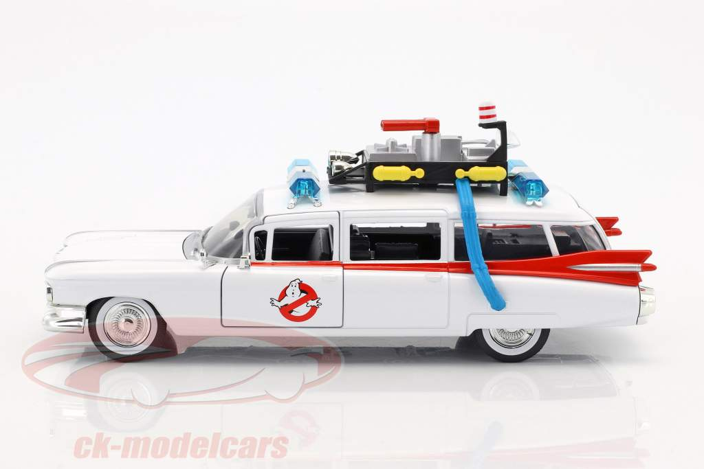 Cadillac Ecto-1 out the Movie Ghostbusters 1984 white 1:24 Jada Toys