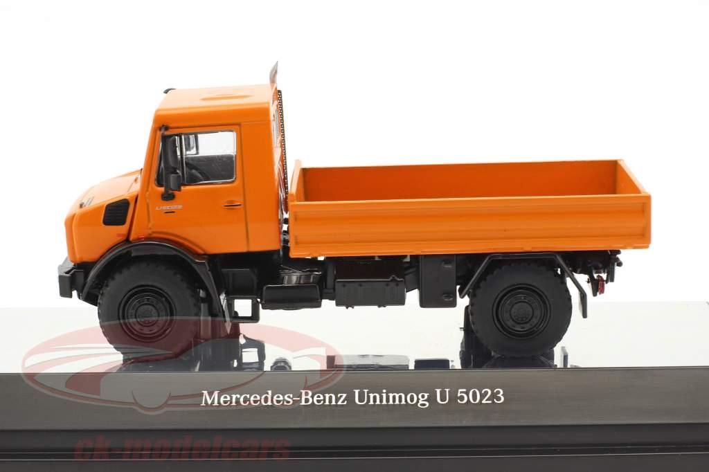 Mercedes-Benz Unimog U 5000 mit Plane orange / silber 1:50 NZG