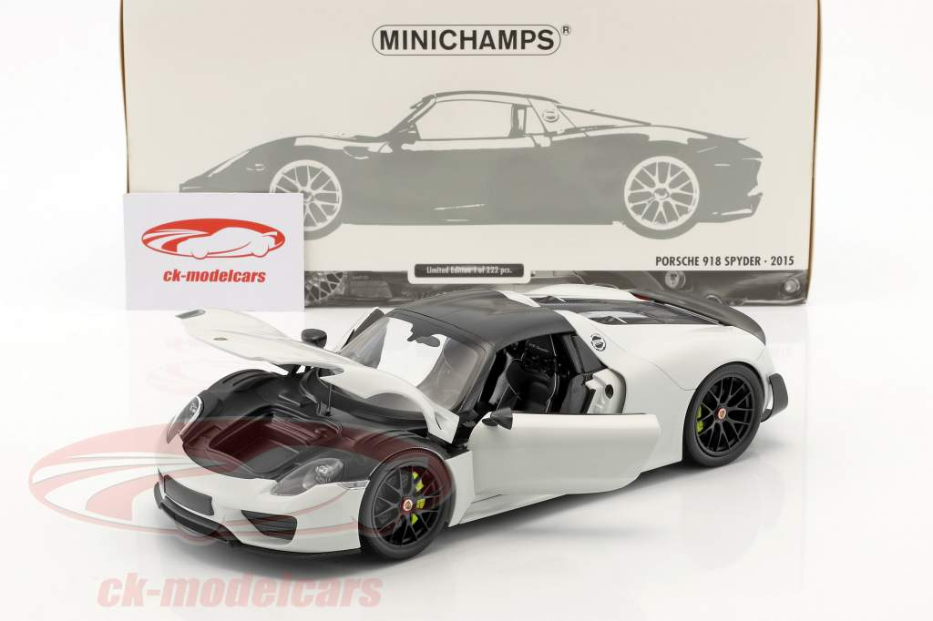Porsche 918 Spyder Weissach Package Construction year 2015 white with black wheels 1:18 Minichamps