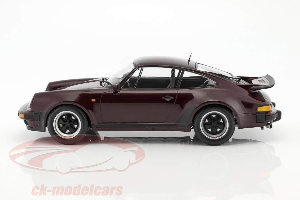 Porsche 911 (930) Turbo year 1977 purple 1:12 Minichamps