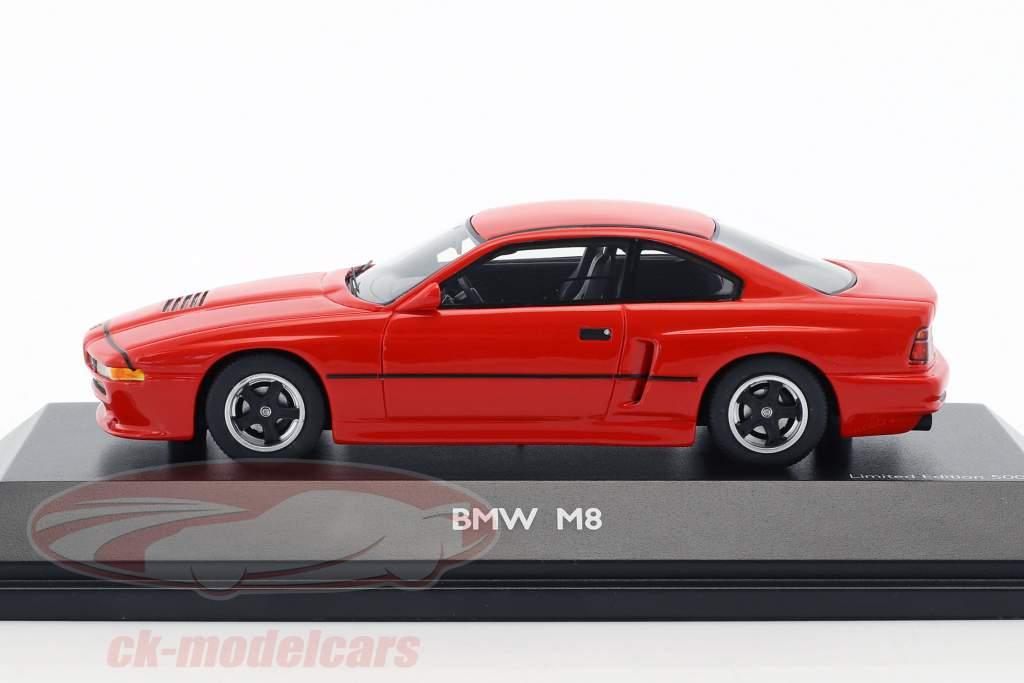 BMW M8 coupé rouge 1:43 Schuco