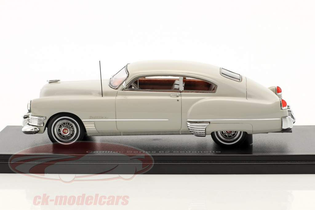 Cadillac Series 62 Club Coupe year 1949 light gray 1:43 Neo