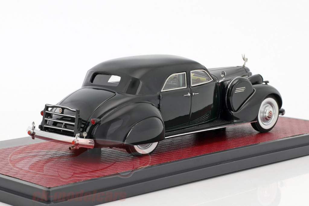 Packard Super 8 Sport Sedan by Darrin year 1940 dark green 1:43 Matrix