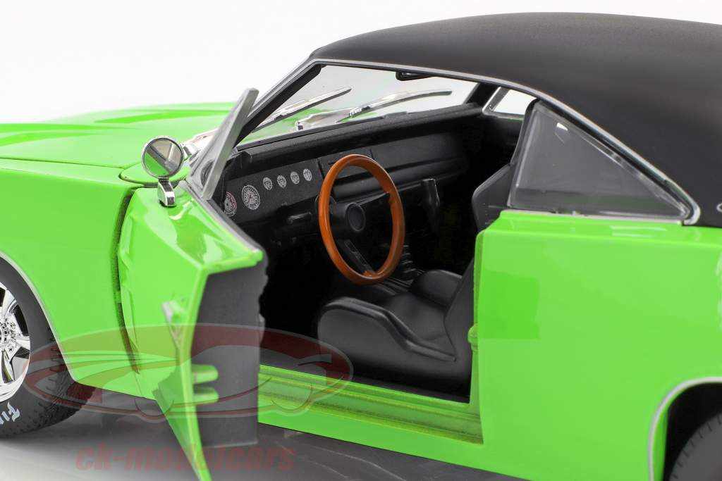 Dodge Charger R/T año de construcción 1969 verde / negro 1:18 Maisto