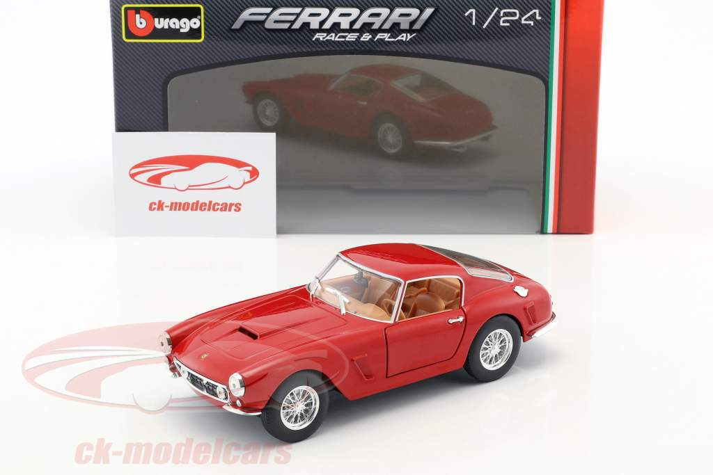 Ferrari 250 GT Berlinetta Passo Corto rouge 1:24 Bburago