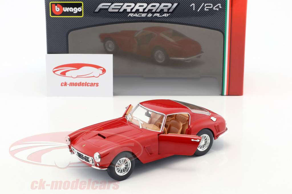 Ferrari 250 GT Berlinetta Passo Corto rot 1:24 Bburago