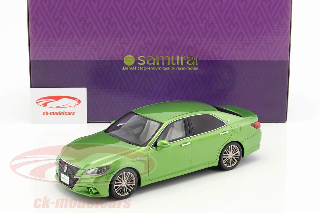 Toyota Crown Hybrid Athlete S green metallic 1:18 Kyosho