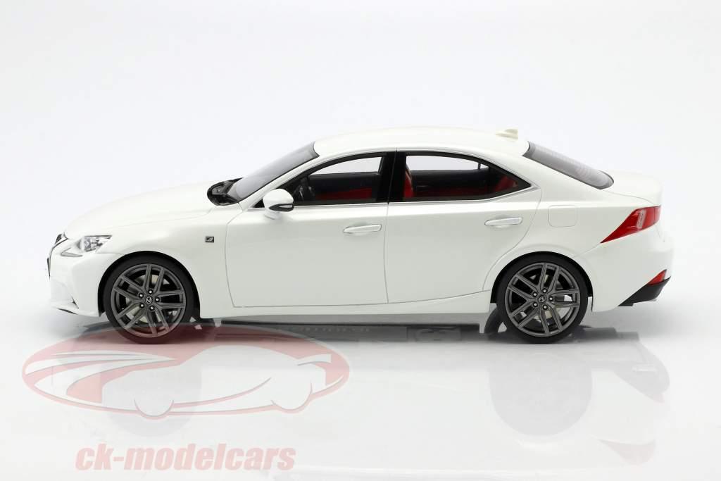 Lexus IS350 F Sport white 1:18 Kyosho