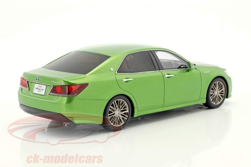 Toyota Crown Hybrid Athlete S vert métallique 1:18 Kyosho