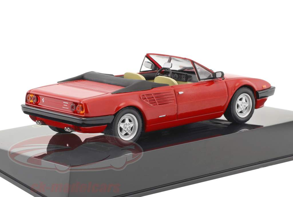 Ferrari Mondial Cabriolet rouge avec vitrine 1:43 Altaya