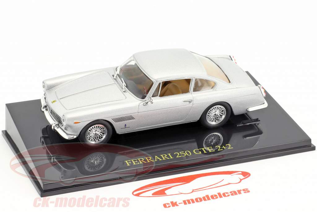 Ferrari 250 GTE 2+2 argent avec vitrine 1:43 Altaya