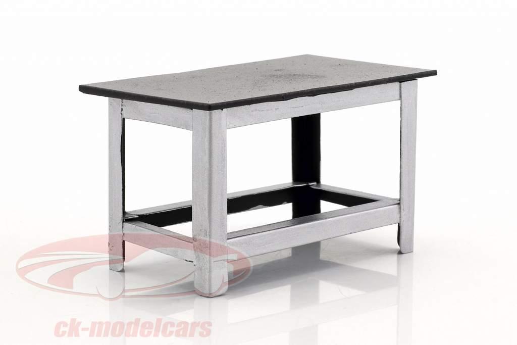 banco di lavoro argento / nero 1:18 American Diorama