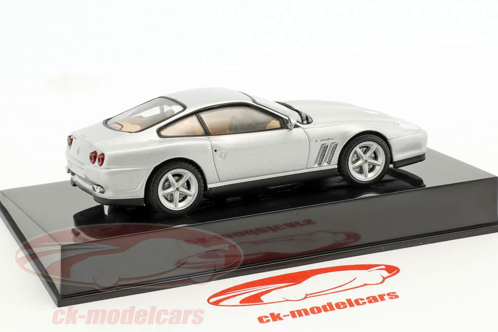 Ferrari 575M Maranello silber mit Vitrine 1:43 Altaya