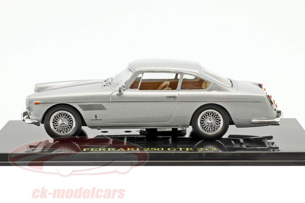 Ferrari 250 GTE 2+2 silver with showcase 1:43 Altaya