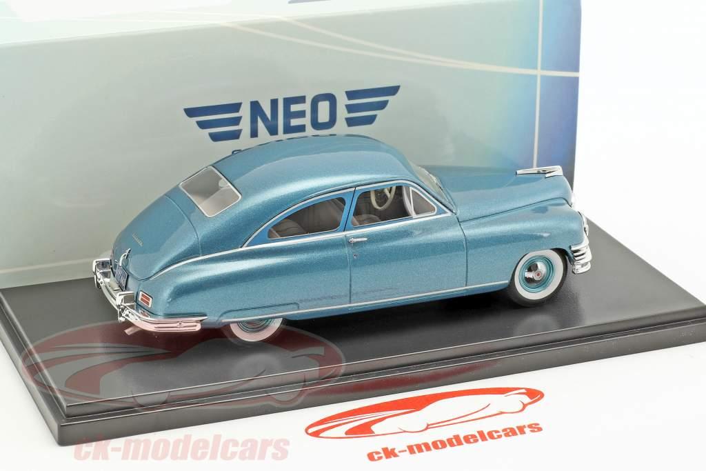Packard Super Deluxe Club Sedan Baujahr 1949 türkis metallic 1:43 Neo