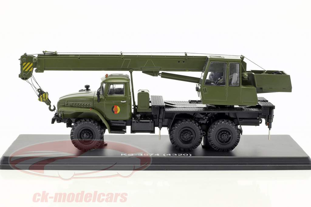Ural 4320 NVA crane dare olive green 1:43 PremiumClassiXXs