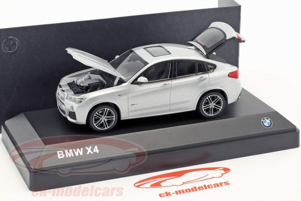 BMW X4 (F26) År 2015 sølv 1:43 Herpa
