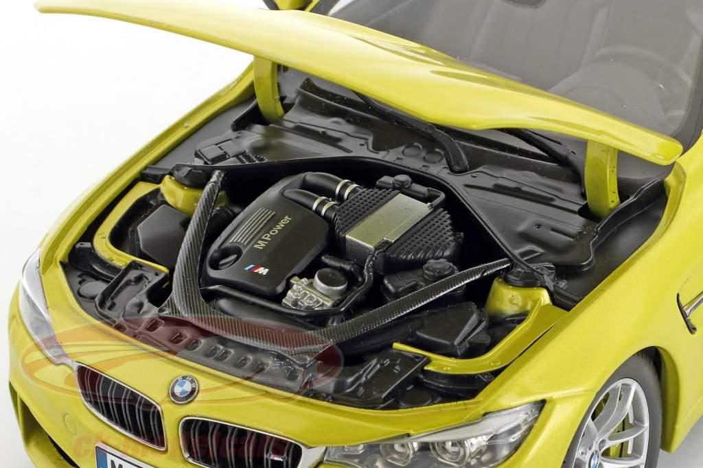 BMW M4 Coupe (F82) austin gelb 1:18 ParagonModels